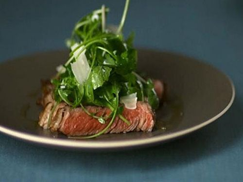With a few simple tips Heston demonstrates how to cook the perfect steak
