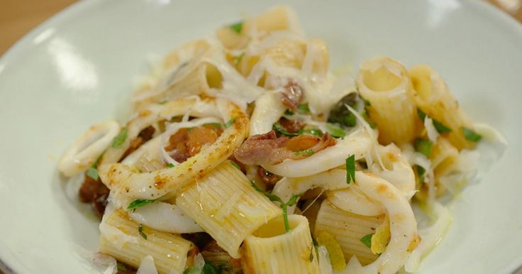 Lust Roel Vanderstukken het of niet? Pasta met inktvis spekjes en tomaat