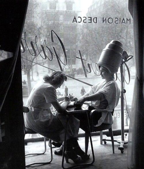 'The Hairdresser' - Photo by Robert Doisneau, Paris, 1950