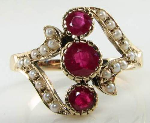 SUBLIME LARGE ENGLISH 9K GOLD RICH RUBY & 20 PEARL RING