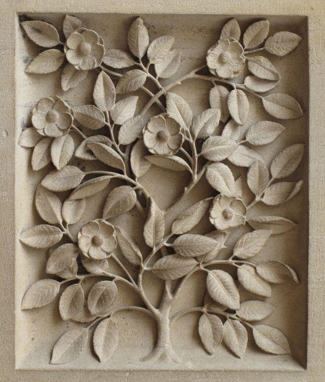 flowers-stone-carving-notre-dame-paris-photo-linda-wiggen-kraft