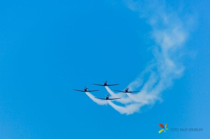 Airshow, Four Planes Flying Towards the Camera