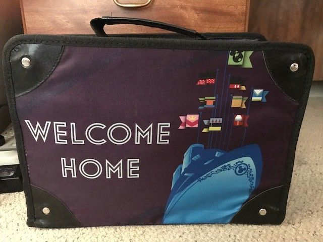 """Disney Vacation Club Members Cruise """" Welcome Home"""" Suitcase Gift Set 2013 #Disney"""