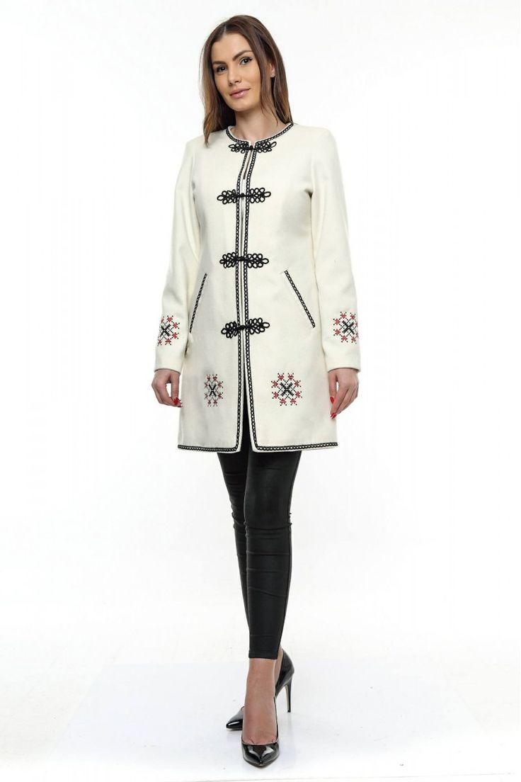 Palton dama alb stofa brodata PF19 Paltoane si Jachete