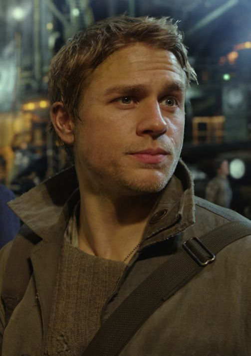 3 reasons (including Charlie Hunnam) why you should see Pacific Rim