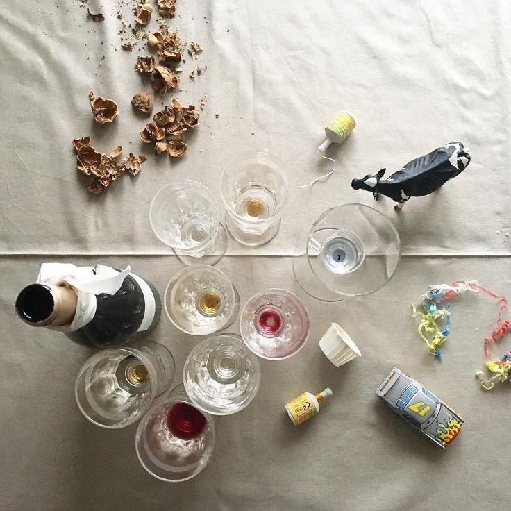 The day after  serate tra amici #dayafter #serate #festeggiamo #auguri #buonefeste #mucca #vino #coriandoli #festa #party