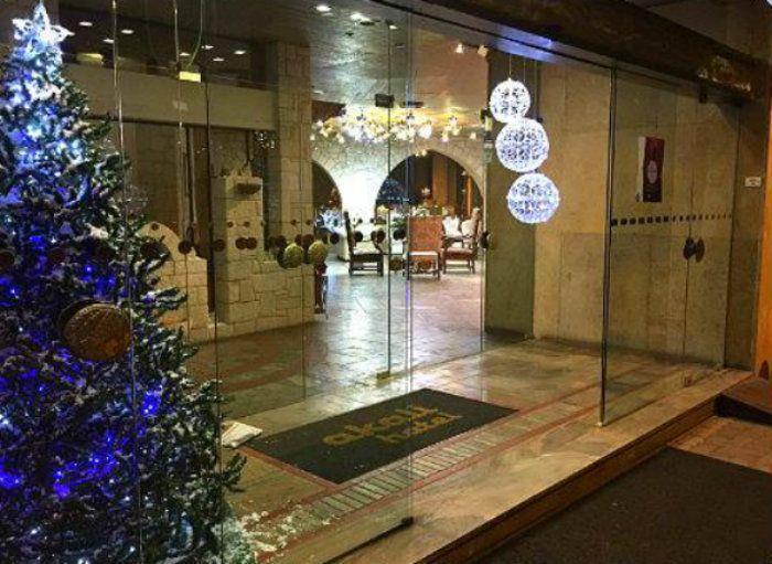 Get into #AkaliHotel and Merry #Christmas!!! #Chania