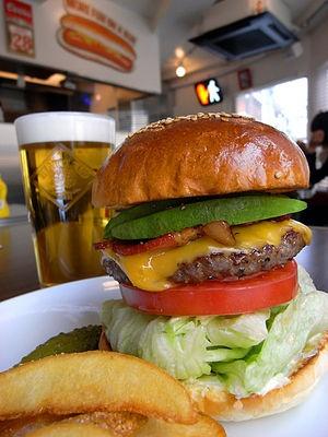 【東京版】溢れる肉汁!都内で味わえる絶品ハンバーガー店まとめ - NAVER まとめ