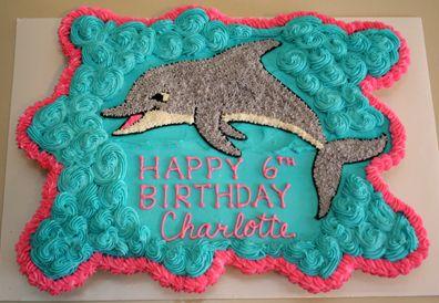Dolphin cupcake pull-apart cake