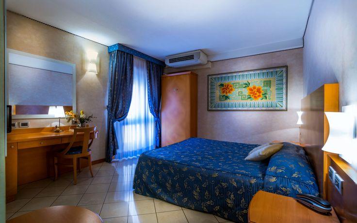 Hotel Paradise - Vicolo Cattani 7 - Bologna