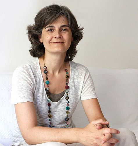 About Irene Bakopoulou, online therapist, psychoanalytic psychotherapist & psychologist.