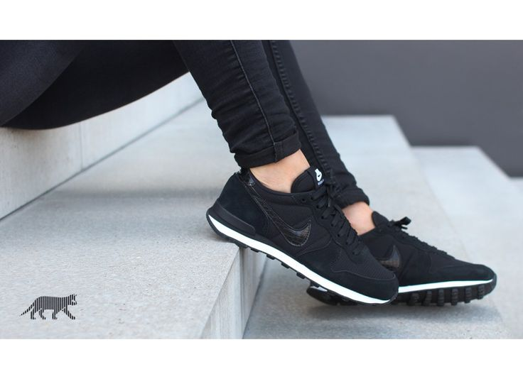Nike wmns Internationalist (Black / Black - White)