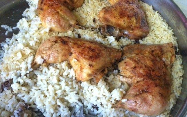 Μπουτάκια κοτόπουλου με ρύζι στο ταψί - iCookGreek
