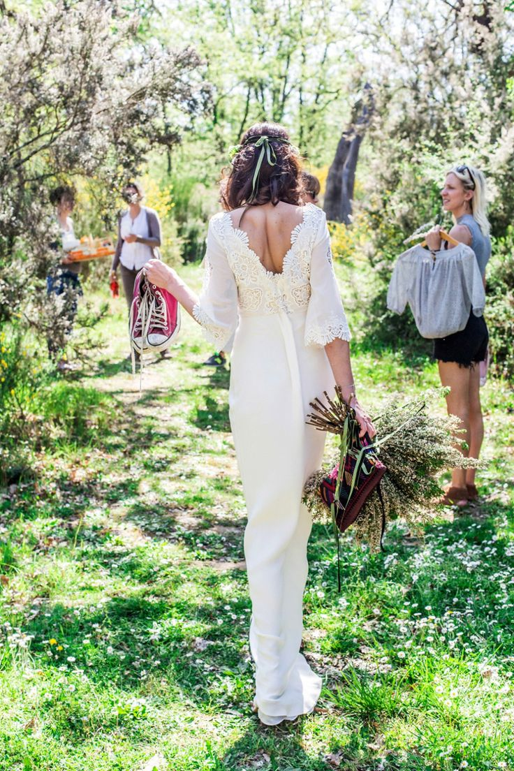 Backless wedding dress inspiration from a Bohemian, Colourful and Rustic Outdoor Italian Wedding Shoot | Photography by http://www.charlottehuphotography.co.uk/