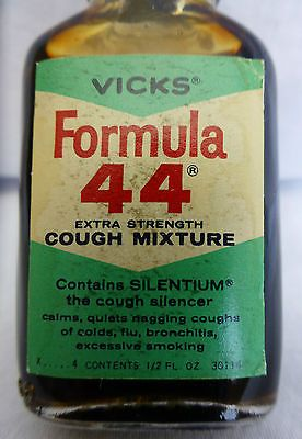 Vintage Vicks Formula 44 Cough Mixture Syrup Expectorant Medicine Bottle .5 oz
