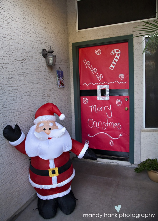 Wrap your apartment\u0027s front door up for Christmas! Make coming to your home like unwrapping & 17 best Dressing up your Front Door images on Pinterest | Merry ...