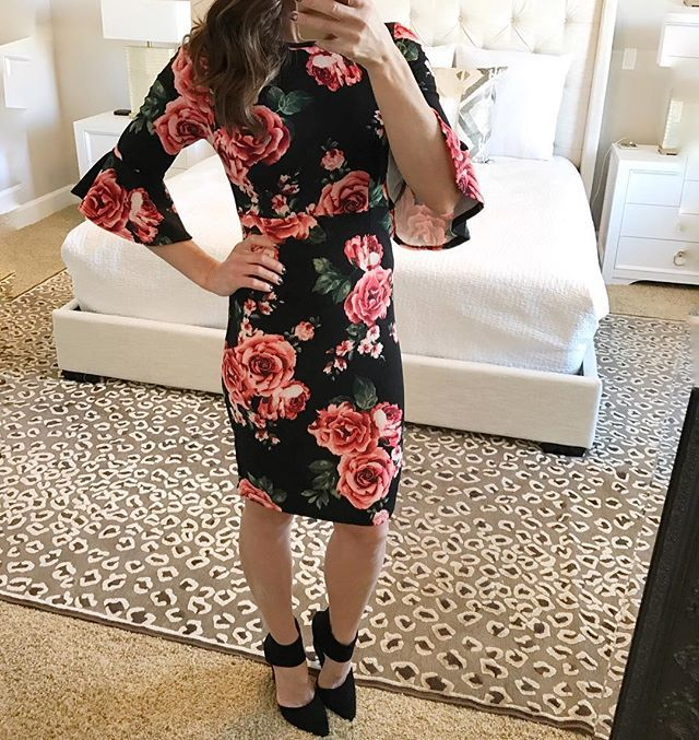 A little Sunday style inspiration for you. Loving the flare sleeve The fit is very flattering gives you shape but doesn't hug where I hide my tacos;)