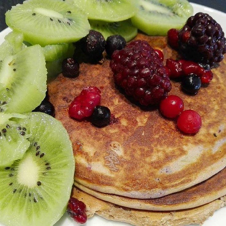 Breakfast  Panquecas de aveia e whey protein  #whey #wheyprotein @mws.pt #breakfast #food #foodhealthy #foodpics #foodporn #chezmoi #healthyfood #foodporn #health #healthyfoodshare #healthyfoodporn #ig_healthy #ig_nutrition #nutrition #healthymeals #fit_ness_gram #fitnessaddict #addicted #bodybuilding ( # @claudiasantos93 )
