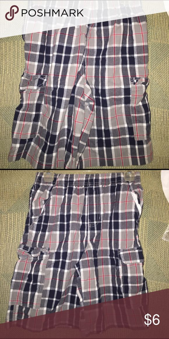 Canyon river blues plaid boys shorts size large Boys plaid shorts, canyon river blues, elastic waistband, side cargo pockets, great condition, may need washing, 🚬🐱🏡 Canyon River Blue Bottoms Shorts