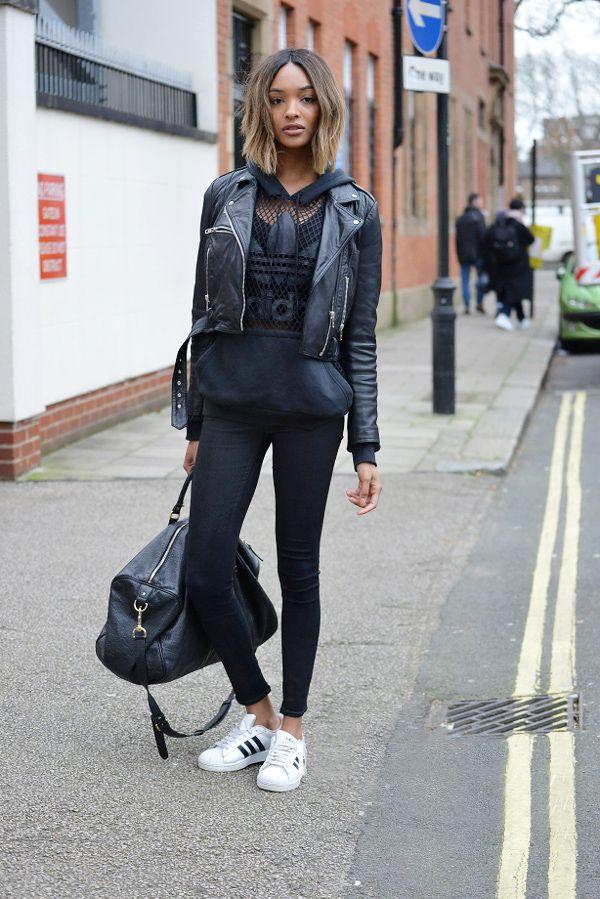 Look black com um diferencial, tenis adidas superstar branco.