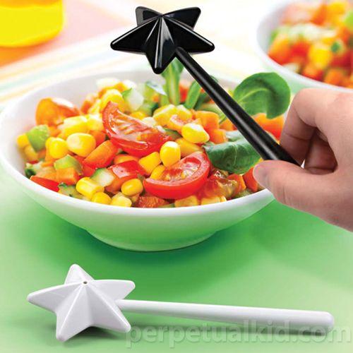 salt & pepper shakers: Salts Peppers Shakers, Wands Salts, Kitchen Gadgets, Fairies Wands, Peppers Wands, Magic Wands, Salts Shakers, Kitchens Gadgets, Products