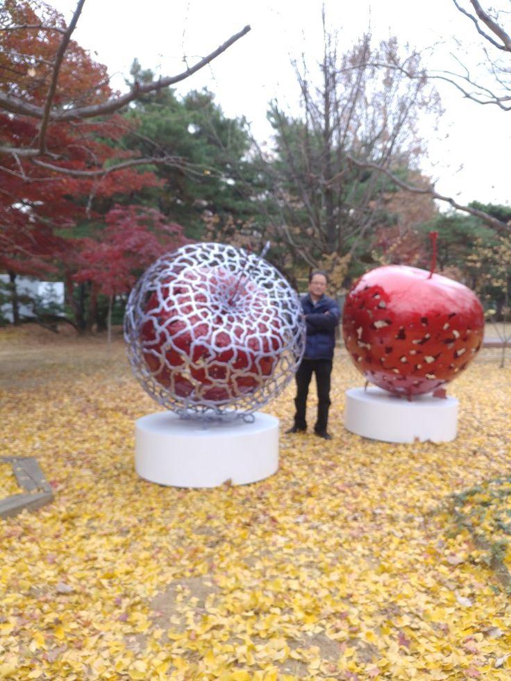 #sculpture#jeon yong hwan#apple