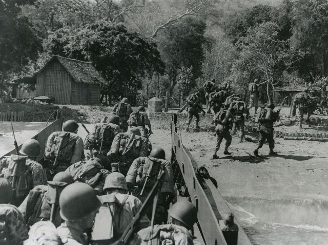 Dutch Marines in the Indonesian War of Independence Circa 1945 [640x477] http://i.imgur.com/MovKrcb.jpg