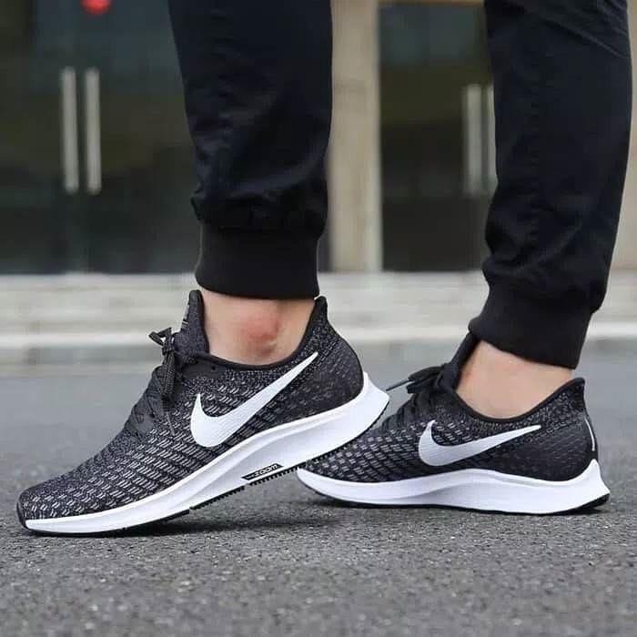 Nikx Air Zoom Pegasus 35 Black White Size 37 40 Import Premium Bnib Quality 1 1 Original Harga 535 000 Include B With Images Sneakers Sneakers Nike Nike Air Zoom