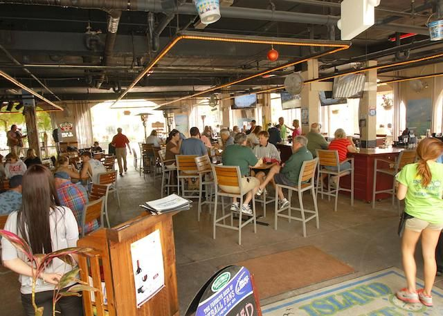Where to eat and drink in annamariaisland  Great bars  Island Time Bar & Grill