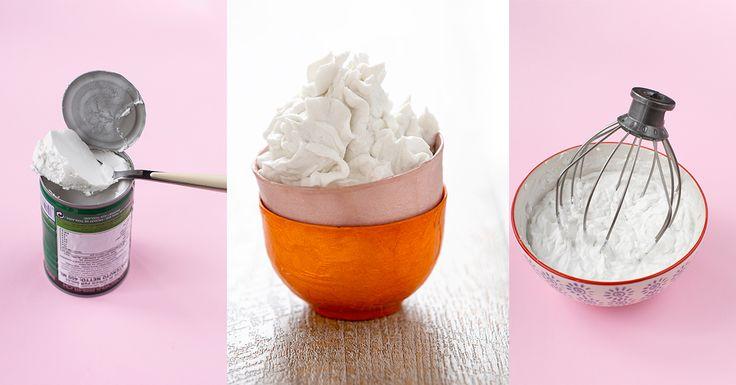 Ricetta per preparare la panna di cocco /panna montata vegan. Panna vegetale con latte di cocco in lattina. Per frosting e creme senza burro e senza uova