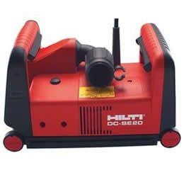 Cortadora de parede DC-SE 20 Capaz de cortar em 40 mm de profundidade e 46 mm de largura, a cortadora de parede DC-SE 20 da Hilti realiza cortes duplos em concreto para instalação de cabos elétricos, conduítes e tubulações hidráulicas. Seu motor tem 1.950 Watts e 230 Volts de tensão elétrica. A DCH 300 tem proteção térmica contra sobrecarga, limitador de corrente de partida e sistema de aspiração de pó. Seu peso é de 5,6 kg.