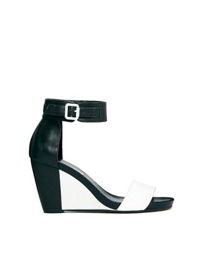 Bild 1 von Dune – Gwens – Schwarz-weiße Sandalen mit halbhohem Keilabsatz