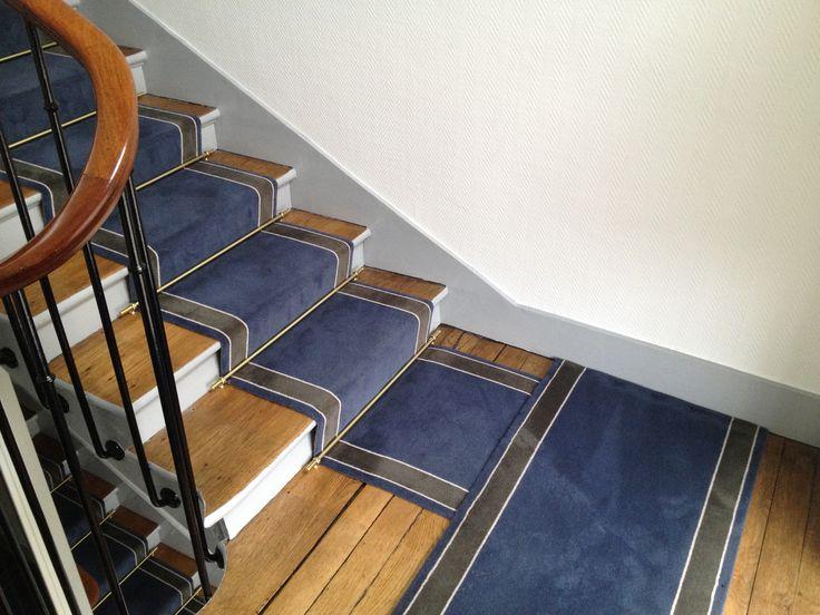 Tapis d'escalier uni à bordures