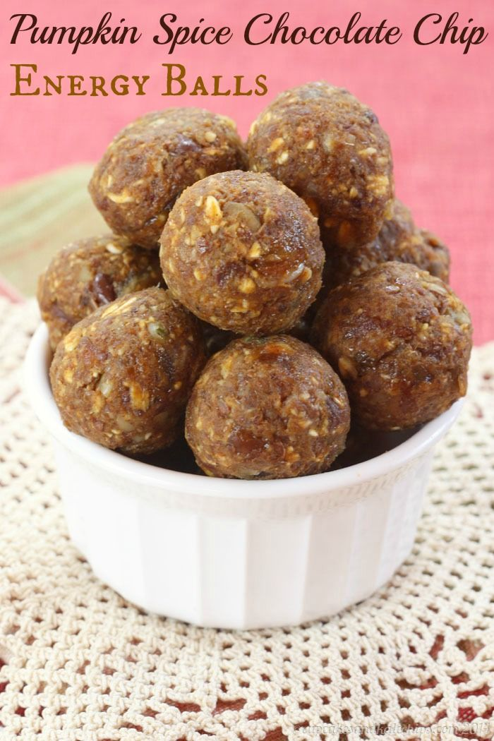 Pumpkin Spice Chocolate Chip Energy Balls - quick, easy, healthy snacks!   cupcakesandkalechips.com   #glutenfree #vegan #nutfree #dairyfree
