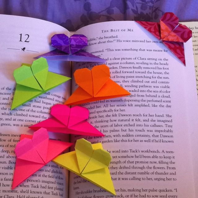 Make these from recycled book pages.  Origami heart shaped corner bookmarks! So cute. So fun to make.