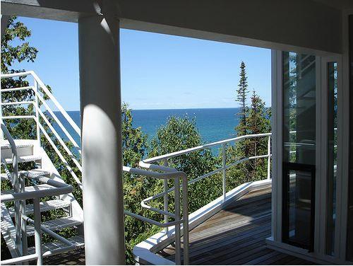 AD Classics: Douglas House / Richard Meier porch – ArchDaily