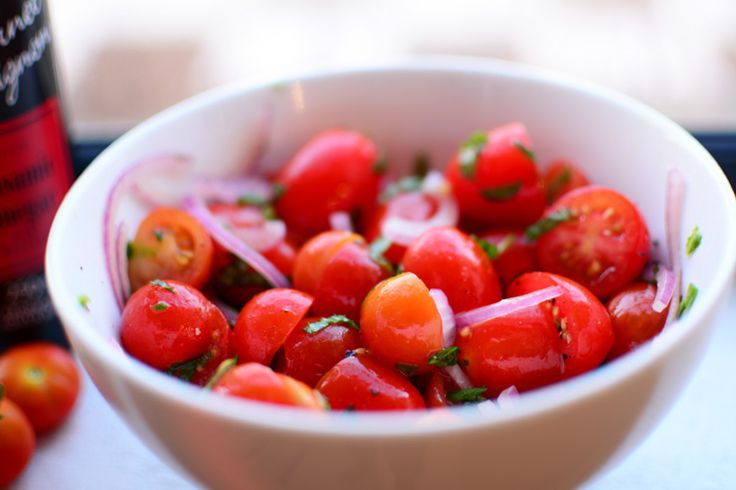 Simple Tomato Salad with Red Onion