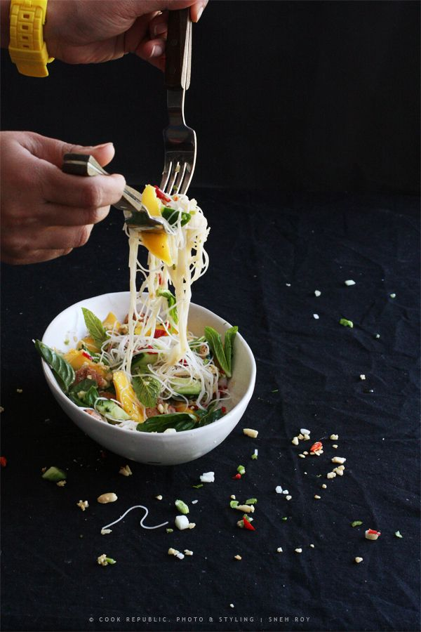 Salad Toss - Thai Prawn Mango Salad With Nam Jim Dressing