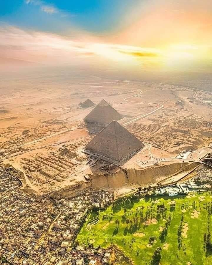 Cairo Giza Aerial View Of The Giza Plateau And Pyramids In 2020 Egypt Aerial View Pyramids Of Giza
