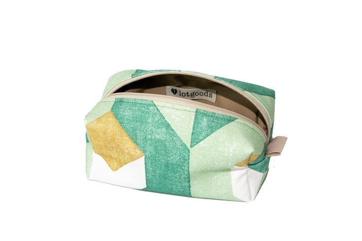 Handmade Upcycling cosmetics bag/culture Tasche/Make Up Täschchen/Necessaire/green, Senf/Patster/Baumwolle/linen/Unikat/eco/sustainable