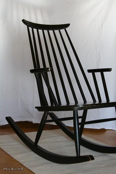 Die besten 25 schaukelstuhl modern ideen auf pinterest for Schaukelstuhl skandinavisches design