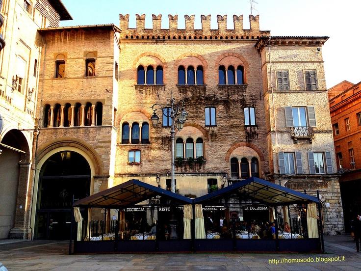 Parma. Piazza Garibaldi.  Ristorante Pizzeria 'La Duchessa'.