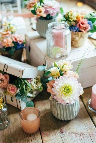 Tischdeko In Pastell Von Tatiana De Weber Hochzeitsplanerin In Koln