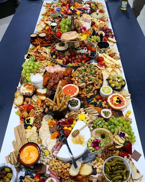 Woo hoo! Here's today's platter inspo! Drool-worthy set-up via @yourplattermatters