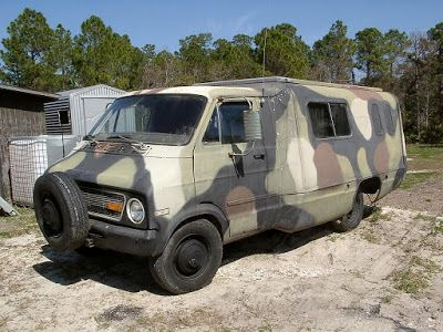 Truck Camper HQ: What a Camo Pimp!