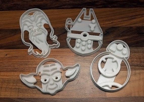 Star Wars Cookie Cutters x 4 - BB8, Yoda, Millennium Falcon & Chewbacca (Biscuit Cutters)