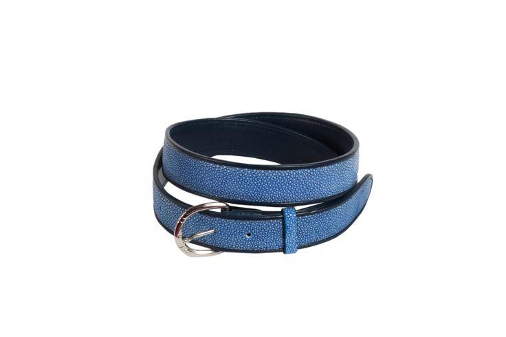 French elegance, here is our shagreen belt. // Elégance à la française, voici notre ceinture en galuchat. Available on // Disponible sur : http://www.galerie-galuchat.com/boutique/ceinture-galerie-galuchat