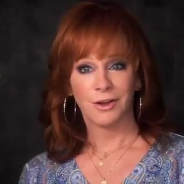 This is important. #reba #rebamcentire #rebanell #rebanellmcentire #countrymusic #queenofcountry #thequeenofcountry #queenofcountrymusic #thequeenofcountrymusic #icon #legend #musicicon #musiclegend #countrymusicicon #countrymusiclegend #opry #grandoleopry #grandoldopry #halloffamer #oklahoma #halloffame #countrymusichalloffame #countrymusichall #countrymusicHOF