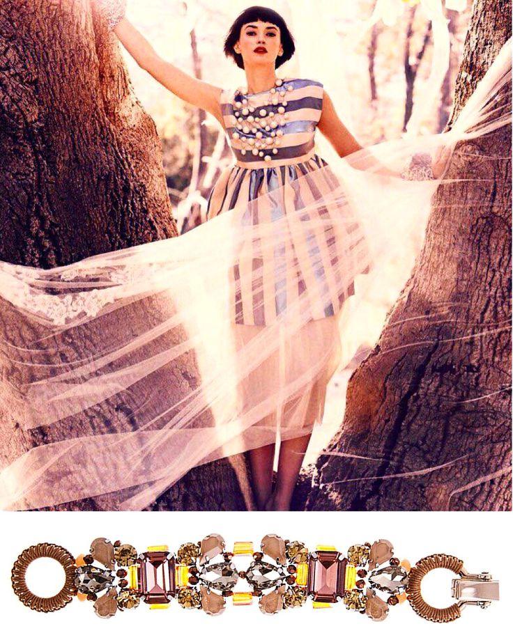 """Яркого вам утра! Если колье для вас - слишком большая """"смысловая нагрузка"""", то самое время приглядеться к браслетам! В коллекциях SELENA их множество и все они очень разные Вы наверняка найдёте что-то по душе именно себе #украшенияручнойработы #selenajewelry #bracelet #statementjewelry #handmade #italianstyle #style #fashion #ручнаяработа #хэндмэйд #стильиталии #сделаноруками #сделановиталии #бижутерия #шик #роскошь #ограниченнаясерия #limitededition"""