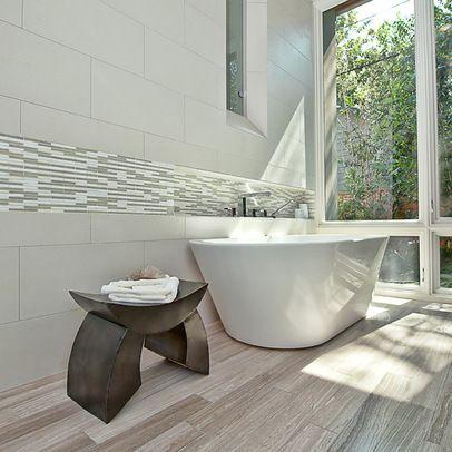 Elegant Bright Bathroom Shade Via House Beautiful